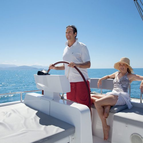 couples-sailing-cairns-port-douglas-1